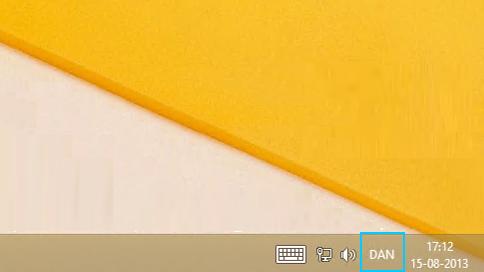 Knap med sprogforkortelse på skrivebordets proceslinje