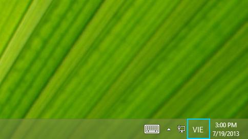Nút chữ viết tắt ngôn ngữ trong thanh tác vụ trên màn hình nền
